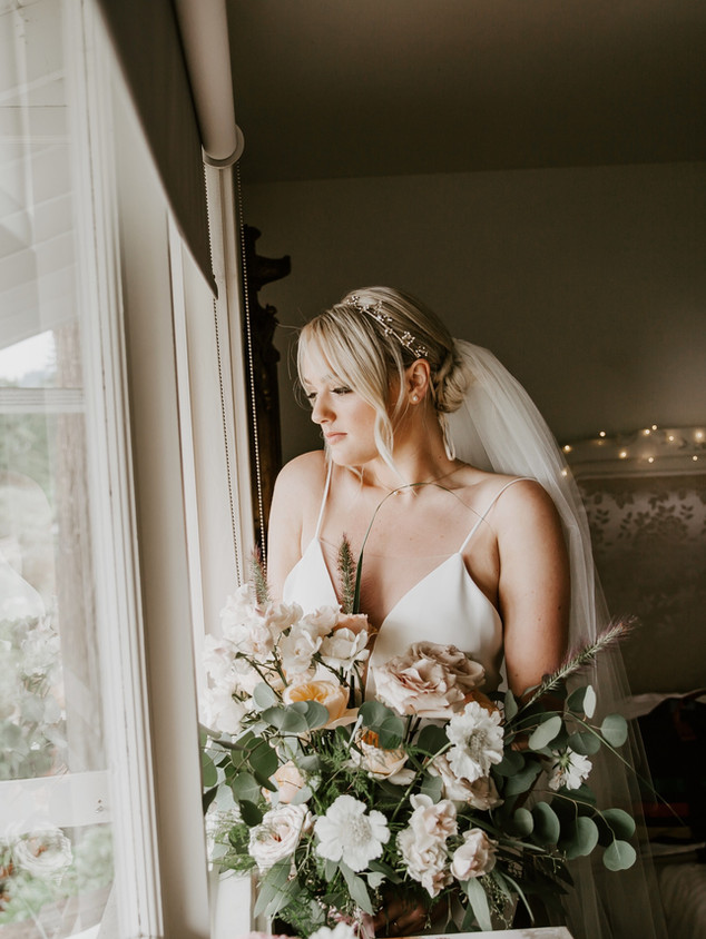 PAIGE AND LUKE, 2018 BRIDE AND BRIDESMAIDS MAKEUP: KSENIA PHOTOGRAPHY: MICHELLE KARST