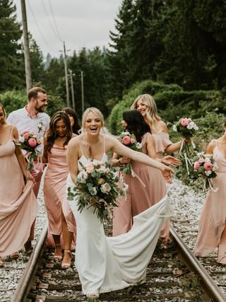 PAIGE & LUKE, 2018 PHOTOGRAPHY: MICHELLE KARST BRIDE AND BRIDESMAIDS MAKEUP: KSENIA
