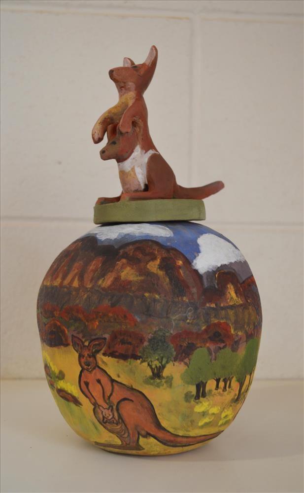 Red Kangaroo,  Artist: Beth Inkamala Mbitjana