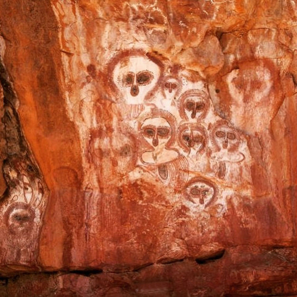 Aboriginal cave painting in the MacDonnell Ranges