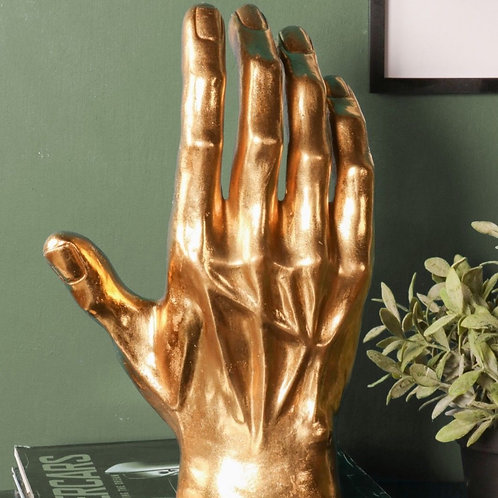 Main géante dorée
