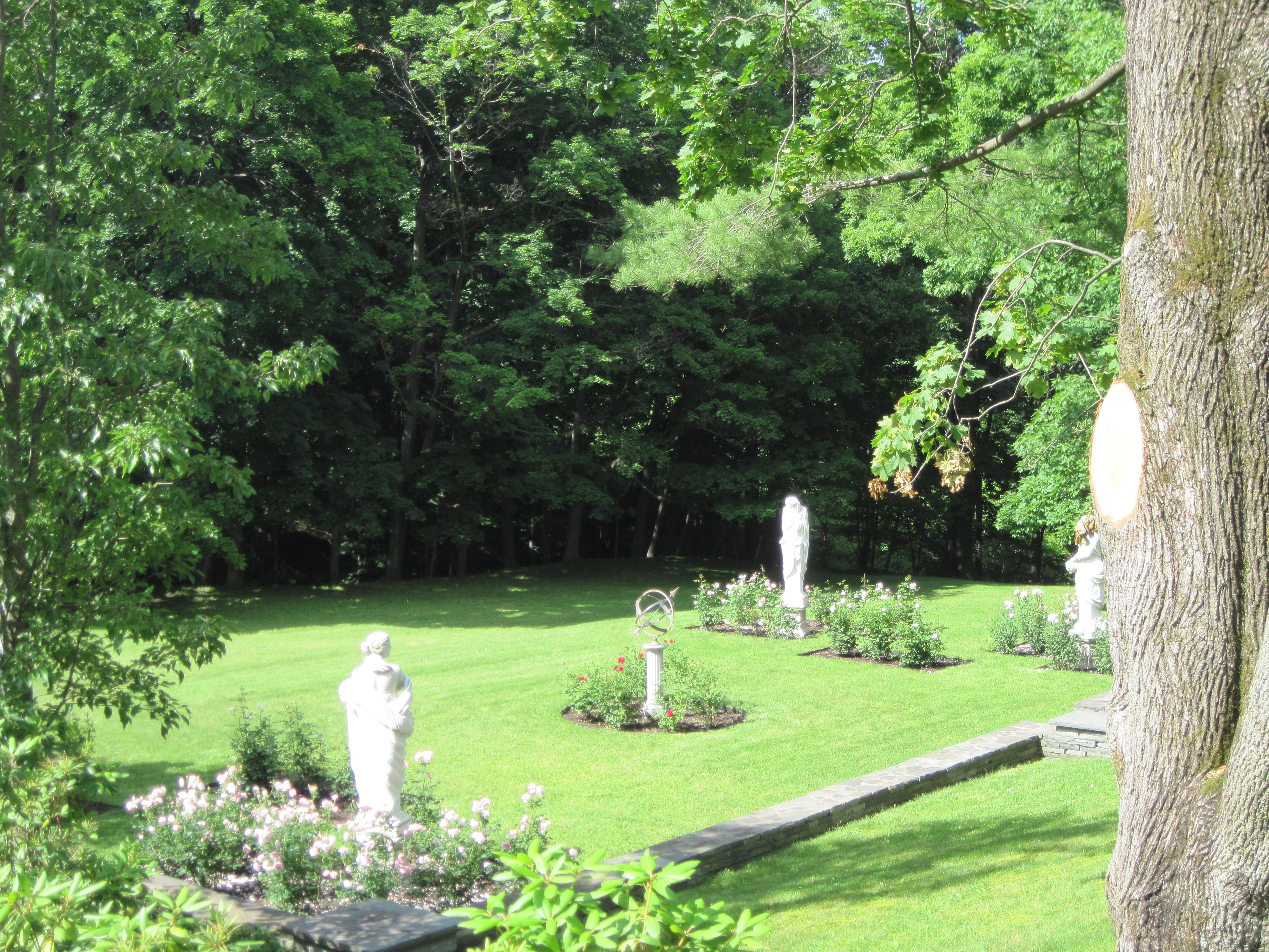 house-6-english-garden1