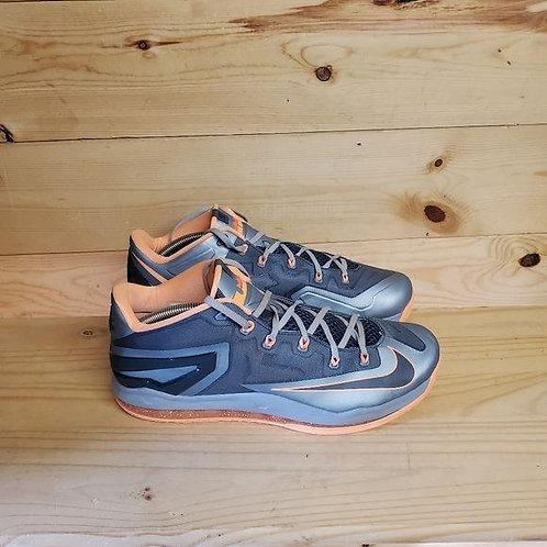 Nike Air Max Lebron Xi Low Men's Size 12