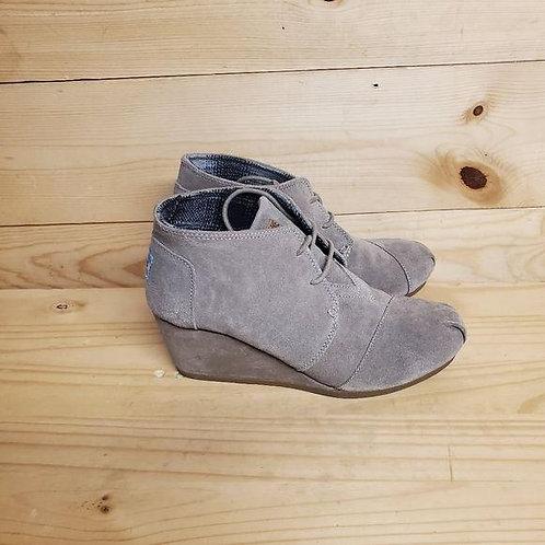 Toms Beige Tan Suede Boots Women's Size 7.5