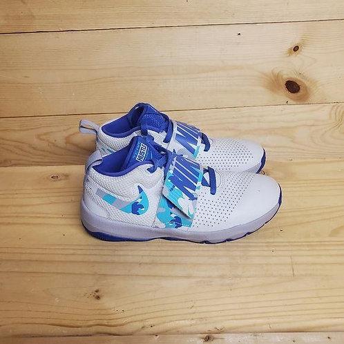 Nike Team Hustle D8 Kids Size 5