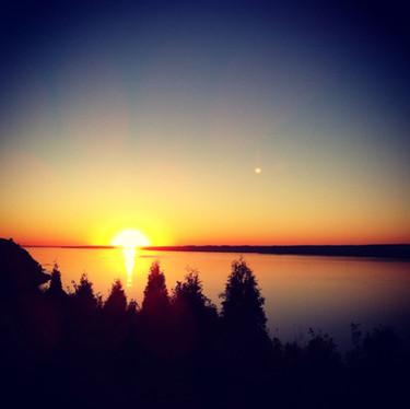 coucher-du-soleil-sur-le-fleuve---verger