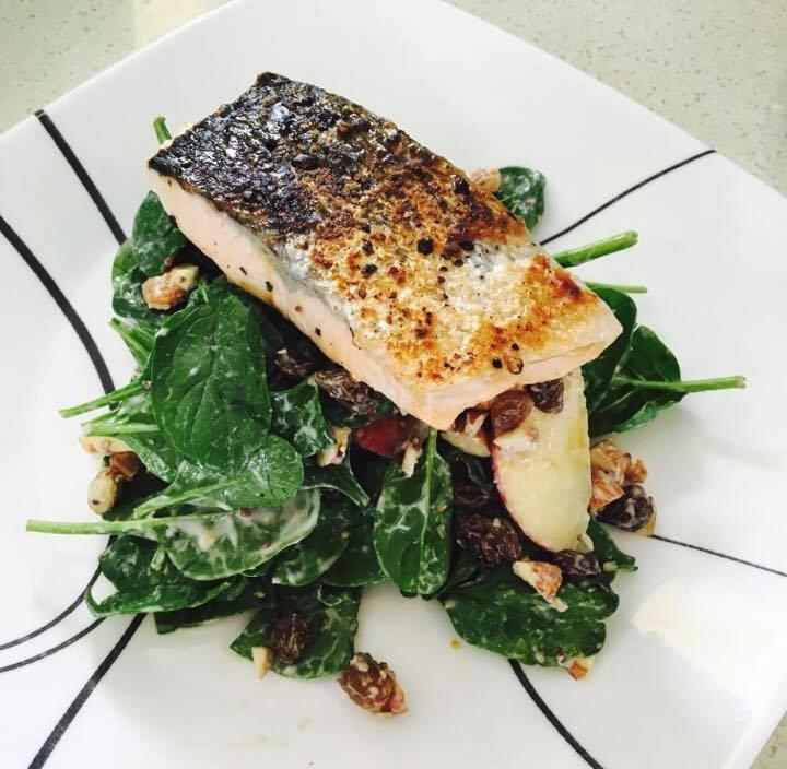 Salmon, Spinach & Apple Salad