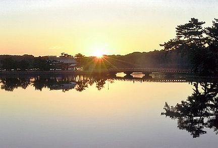 常盤神社に日が昇る