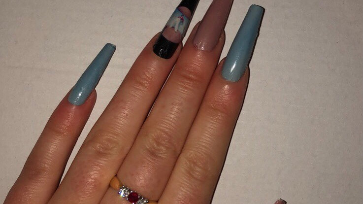 Fine line inspired nails