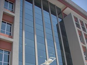 fachada pele de vidro-ALMACESQUADRIAS