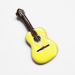 フラメンコギターのブローチ