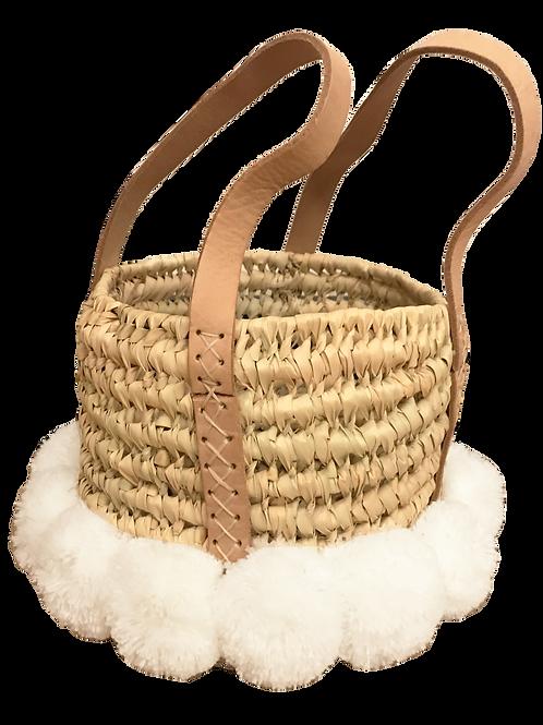 Panier en osier avec pompons