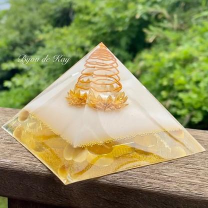 Bijou de Kay オルゴナイト 黄金の黄金比ピラミッド