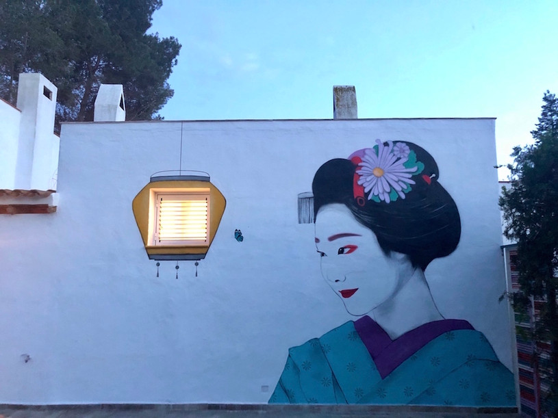 Geisha at night. Spray paint on wall. 23x13 feet. 10x5 m. Ibiza April 2020