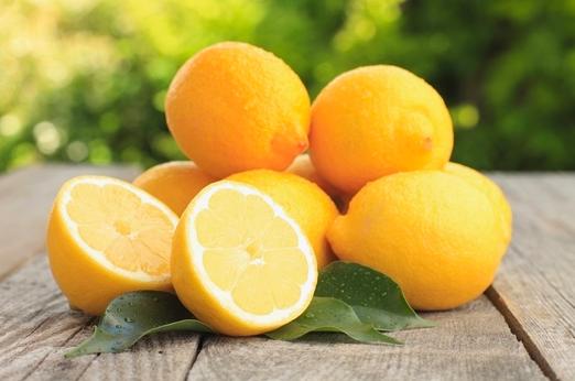 Two English Ladies Beautiful Lemons