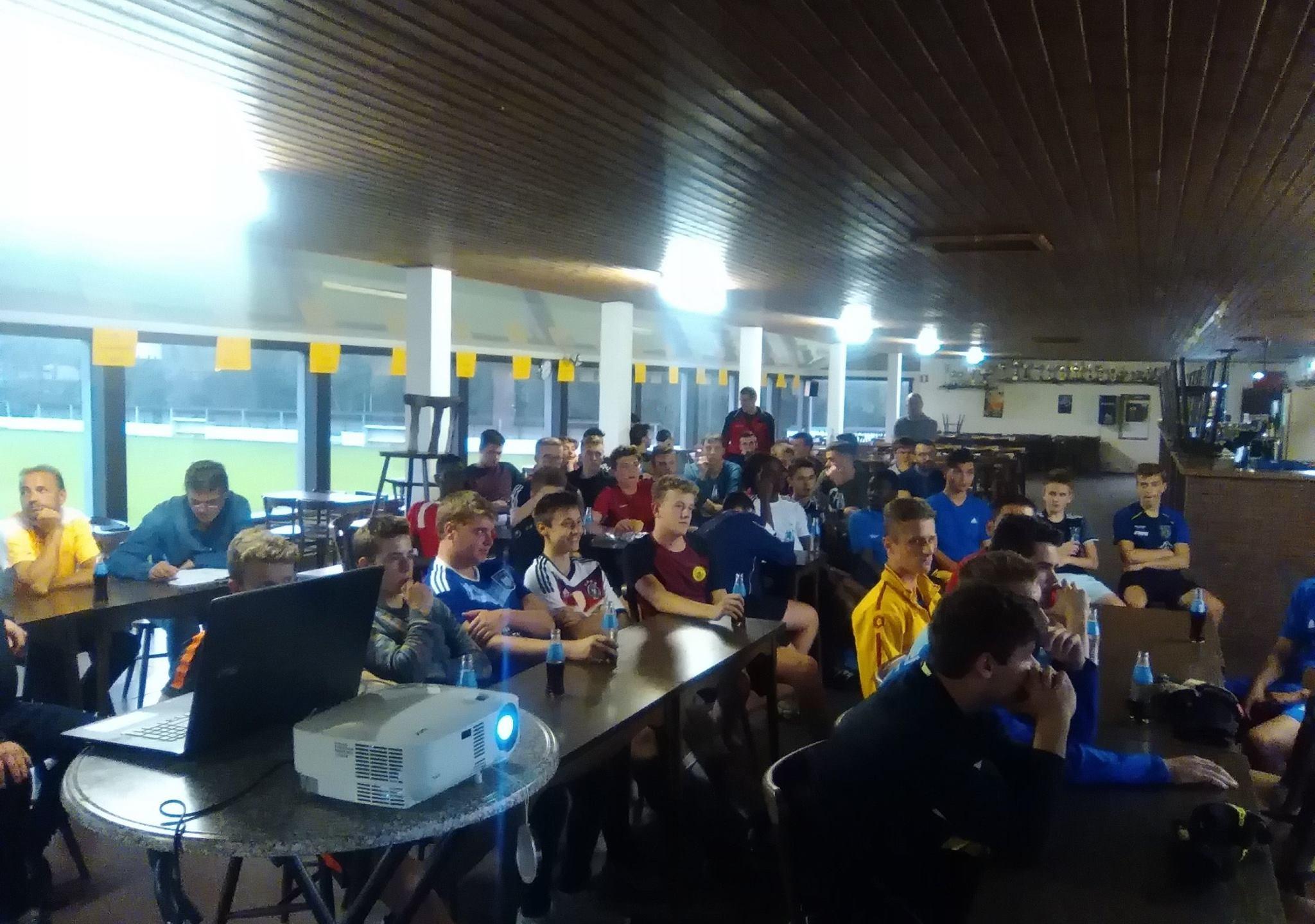 Clubbezoek aan VV Laakdal