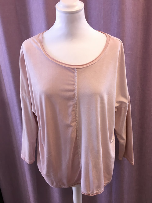 Seam Front Top