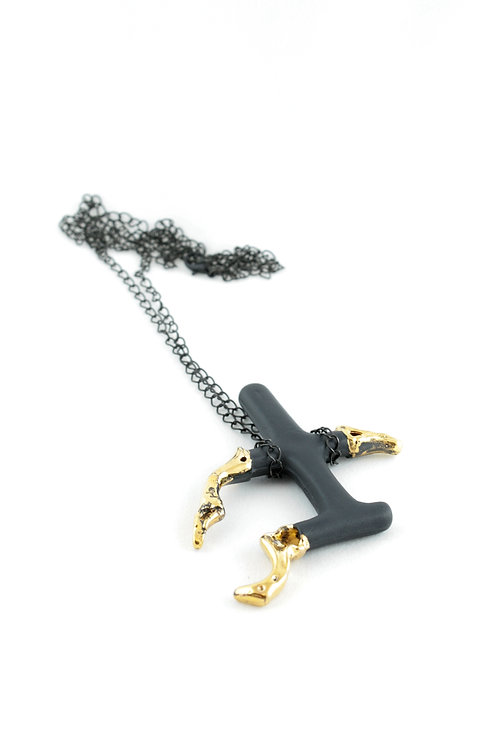 """Lovers"" pendant black gold"