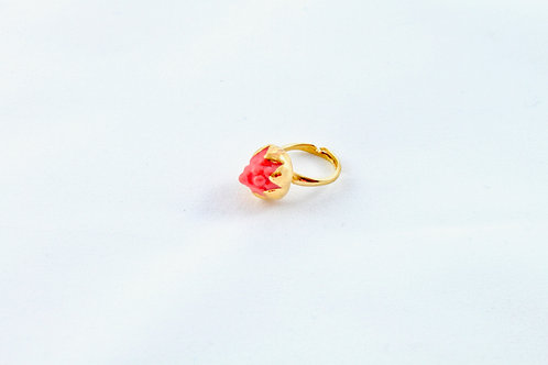 Queens Gold, red and gold ring
