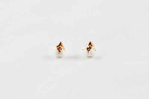 Queens Gold, white and gold earrings