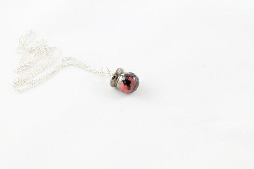 Queens silver, marble red, black and platinum Bud pendant
