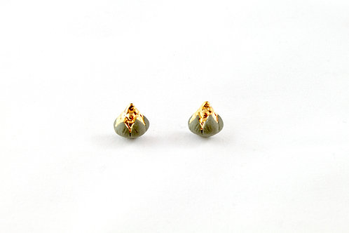Queens Gold, dark green and gold earrings