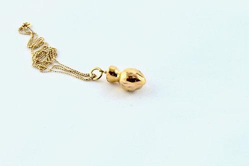 Queens Gold, gold pendant