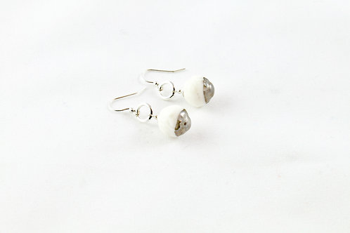 Queens Silver, white platinum hanging earrings