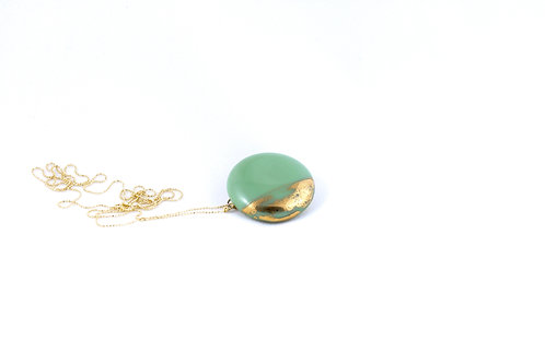 La Traviata Pendant with brooch green and gold