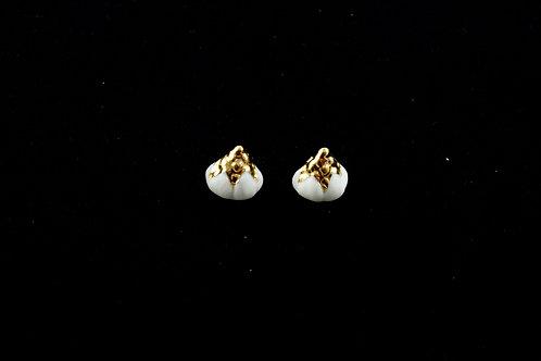 Queens Gold, matt white gold earrings
