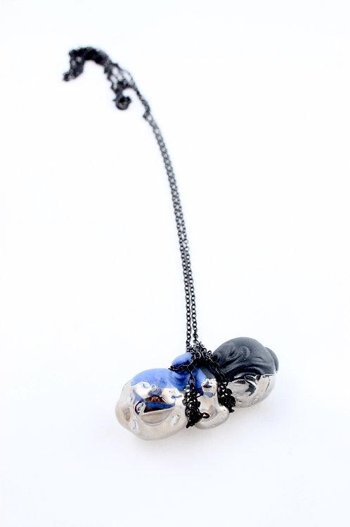 """""""Sucker"""" pendant black/cobalt, platinum/silver"""