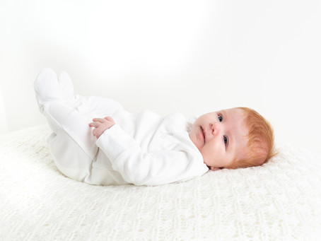 5 Reasons my style of newborn photography suits older newborn babies