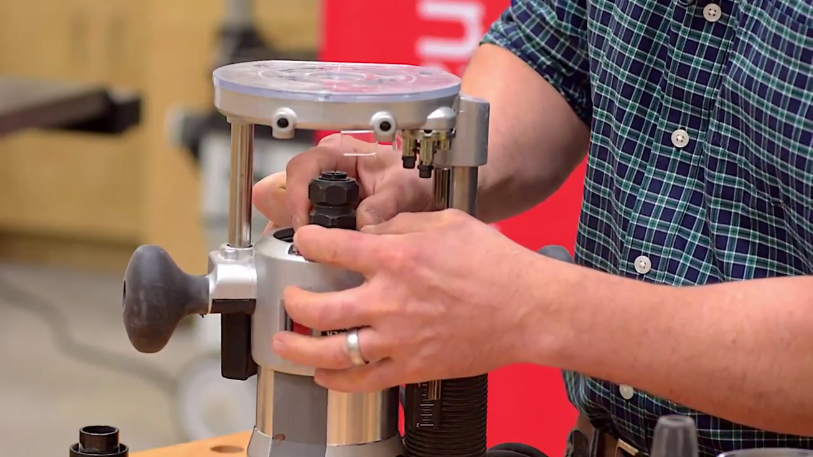 how to change a router bit
