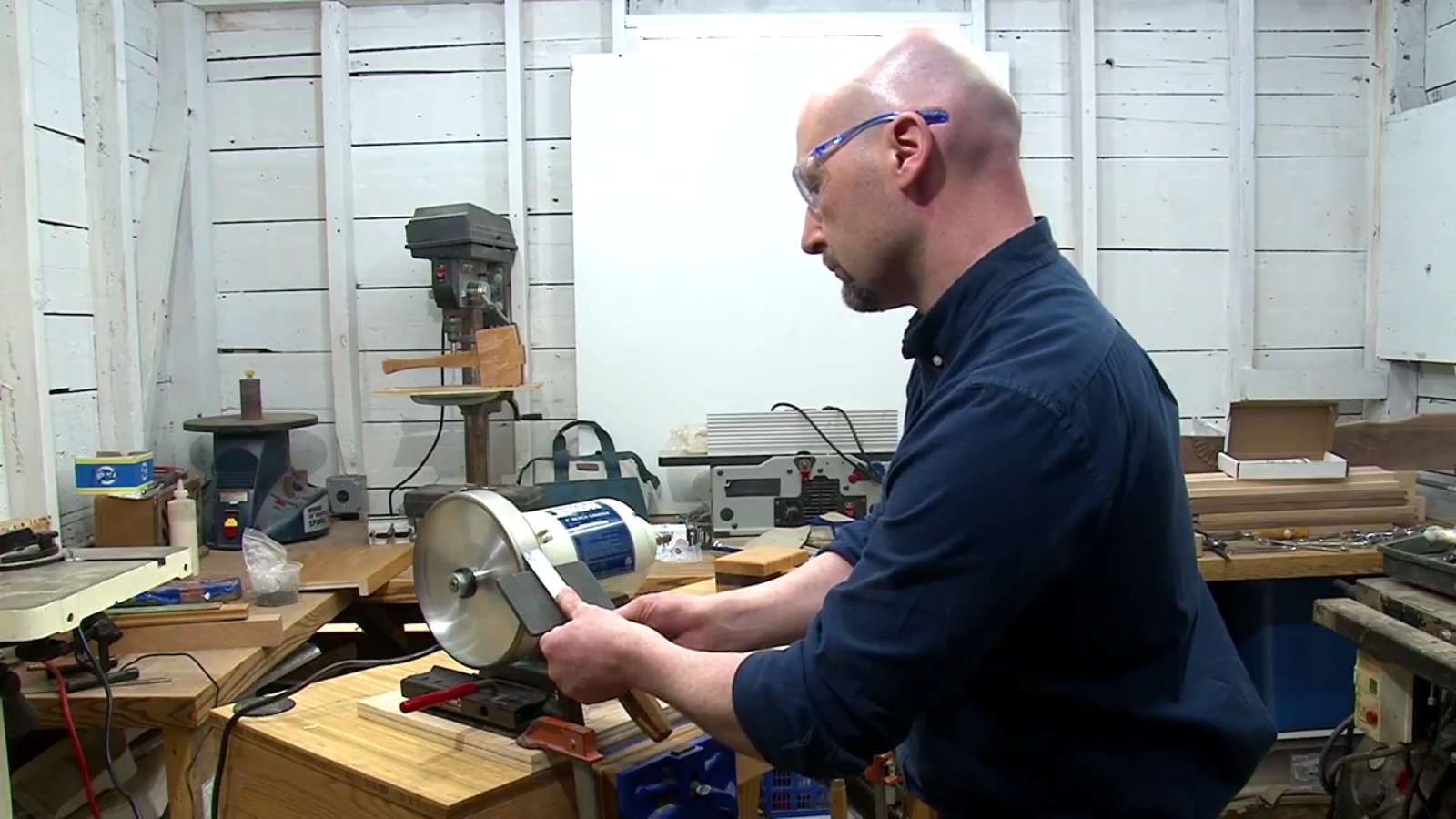 Andrew Teixeira uses a Woodturner's wonders grinding wheel