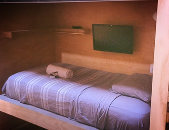 How to survive in a Hostel: Your guide to being a good guest