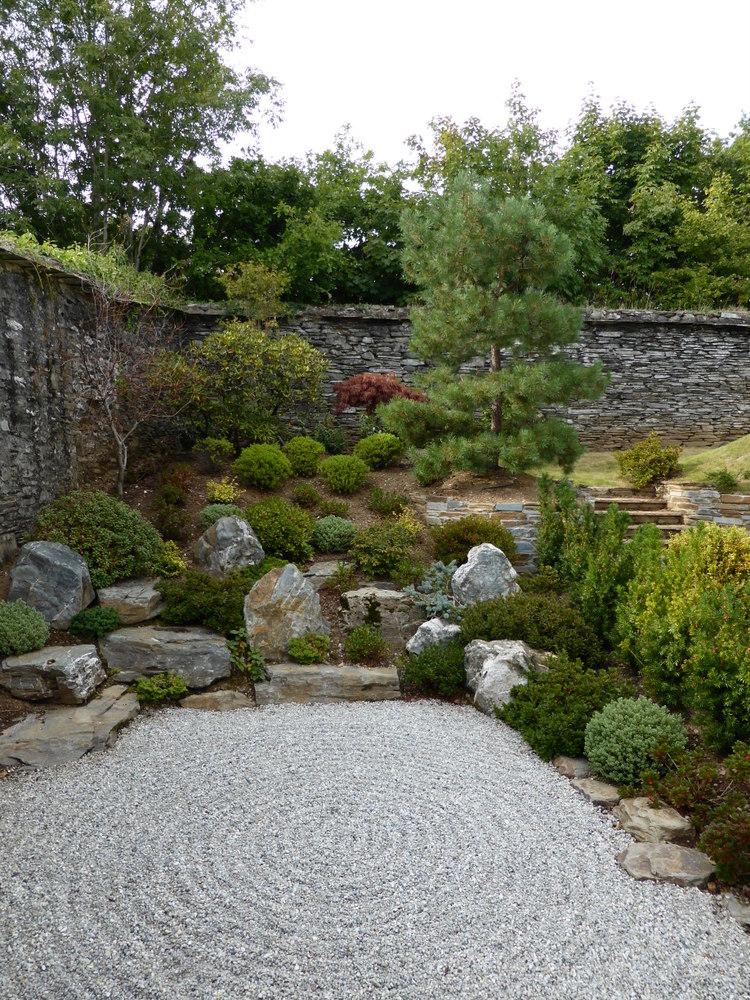 05 japanese style garden in Tavistock