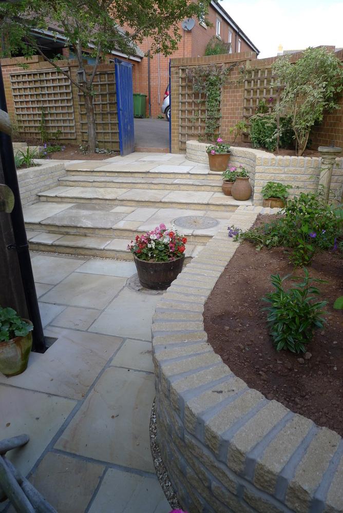 01 Courtyard garden in North Curry