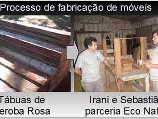 Móveis em madeira de demolição