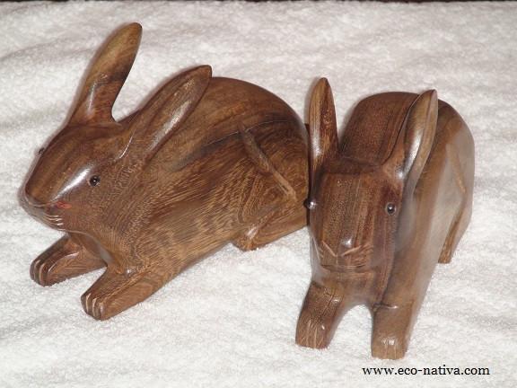 Coelhos de madeira.jpg