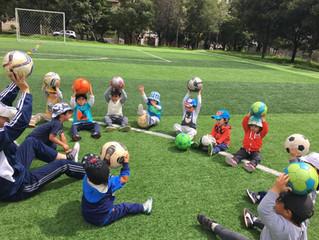 Clases de fútbol en centros infantiles