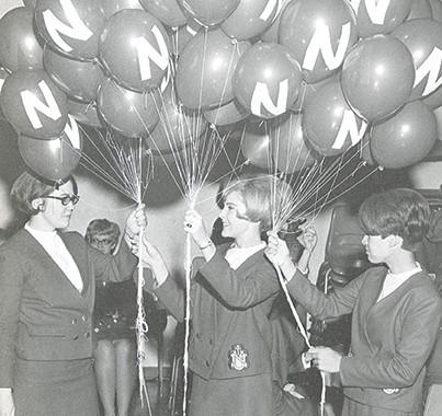 Preparing the balloons