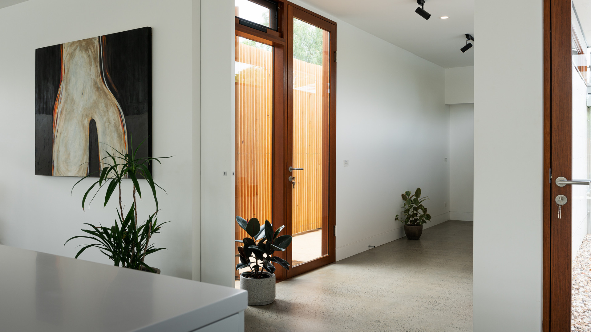 Scandinavian-design-interior-hallway.jpg
