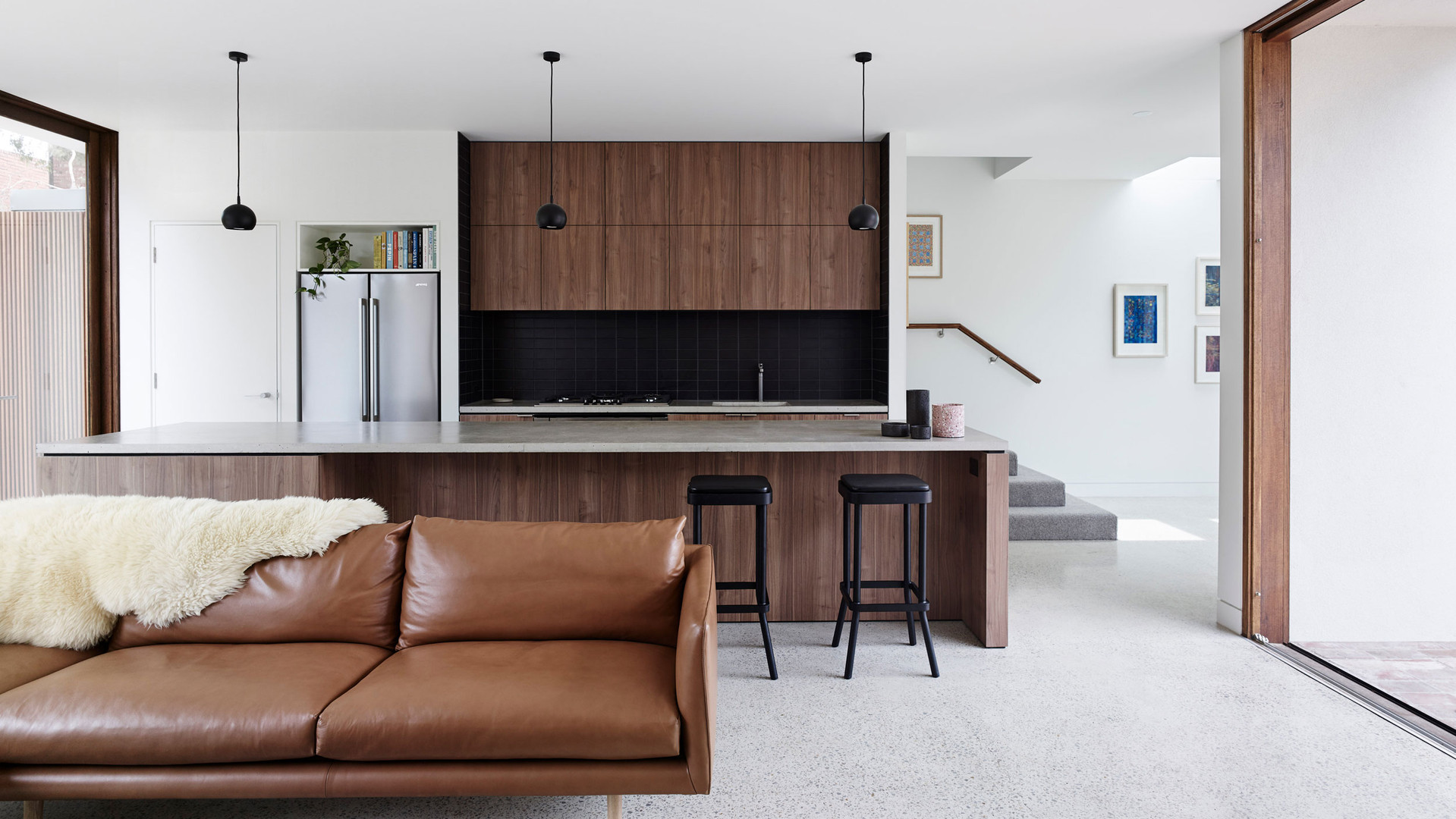 Clifton Hill House - Kitchen & Lift & Slide
