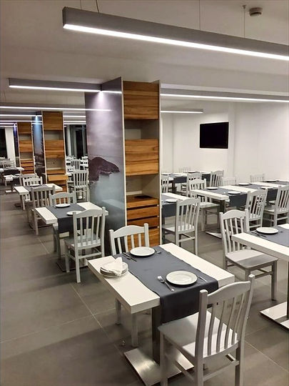 sala-principal-do-restaurante%5B1%5D_edi