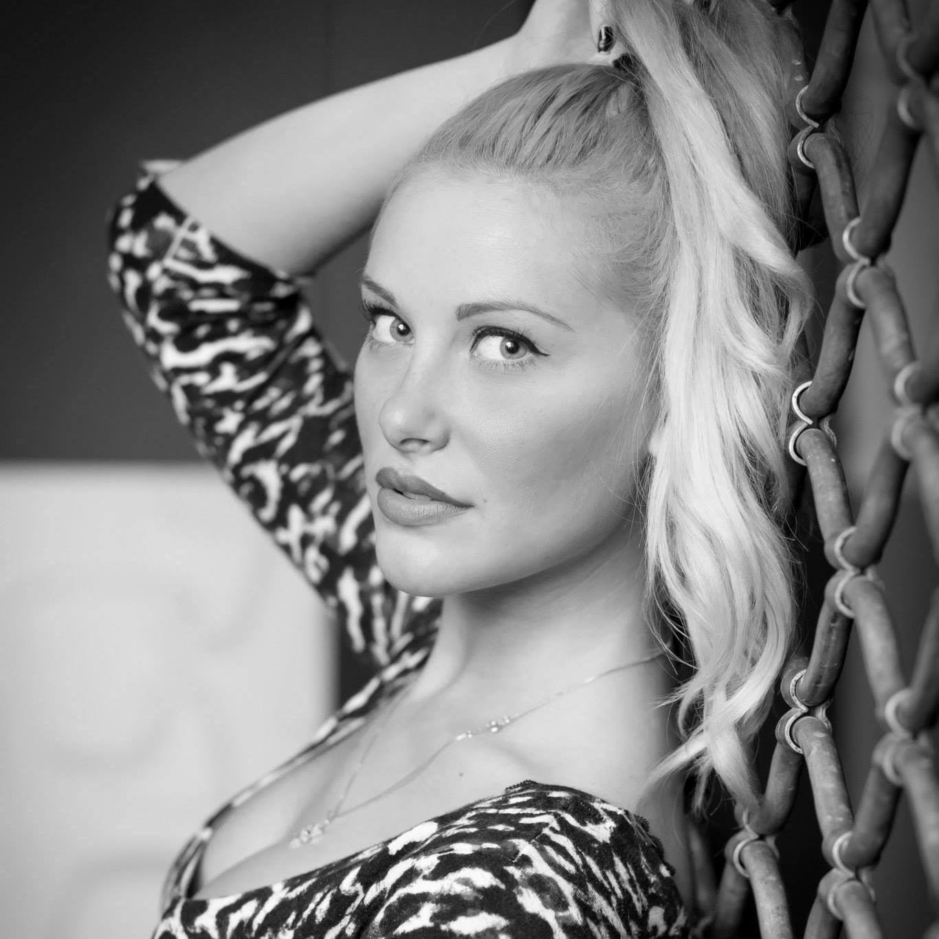 Les Vixens_Miss Tigerlily.JPG