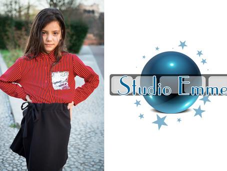 Jolie firma il contratto con Studio Emme