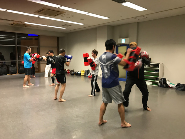 """ファイトフィットネス""""タイフーンクラブ""""狛江でのトレーニング風景"""