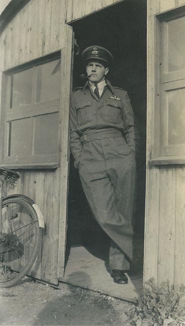 Alastair Gunn at RAF Benson in 1941