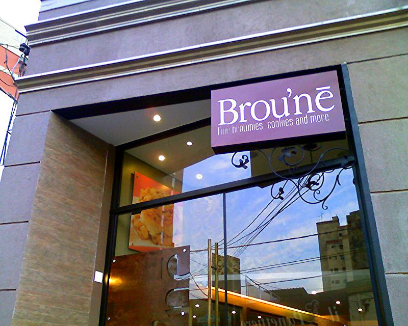 Broune, Arquitetura