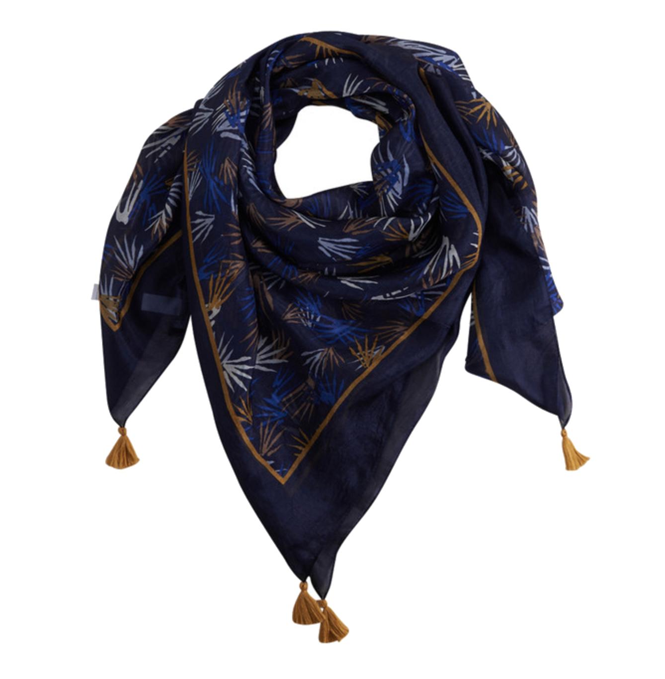 Foulard SOLIE H17 De forme carrée, print motifs fantaisie all over et finitions ornées de pompons. Prix : 24,99 € Dimensions : 100 x 100 cm Matière: 100 soie